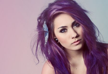 522664 Vários tons podem ser obtidos com a violeta genciana. Foto divulgação Tingir o cabelo com violeta genciana: como fazer