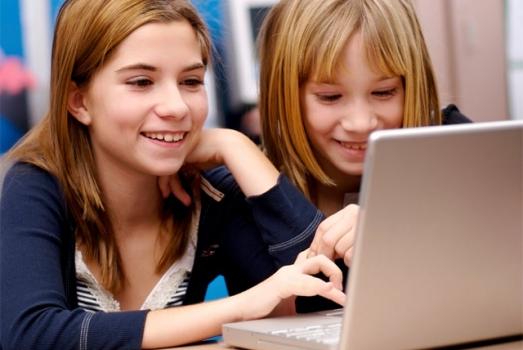 522962 70 das crianças e adolescentes estão nas redes sociais 70% das crianças e adolescentes estão nas redes sociais