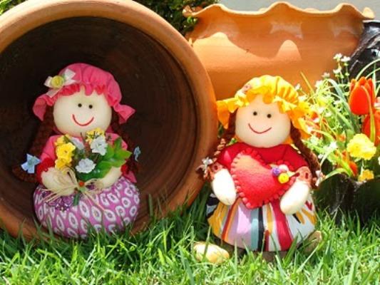 526531 As bonequinhas são ótimas opções para o quarto das crianças. Foto divulgação Pesos de porta criativos: fotos