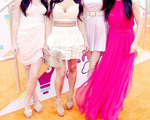 527045 Vários modelos de vestidos podem ser usados pelas convidadas de formaturas. Foto divulgação Convidada de formatura: o que vestir: fotos