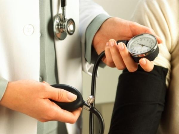 529474 A hipertensão arterial é o principal fator desencadeante de AVC e pode ser evitado. Como diminuir risco de AVC