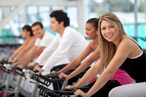 533229 100 sorrisos equivalem a 15 minutos de bicicleta. Benefícios do riso para a saúde