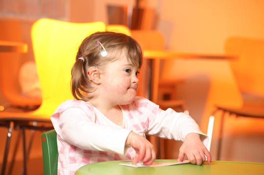 534036 A estimulação das crianças deve iniciar após o nasciemnto. Foto divulgação Bebês com síndrome de down: como estimular