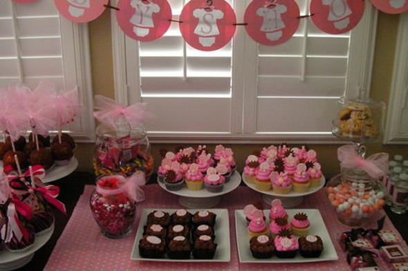536345 Os doces podem ser ótimas opções de decoração do chá de bebê. Foto divulgação Decoração barata para chá de bebê