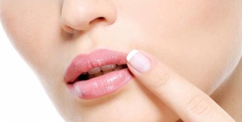 536693 O Herpes simples aocmete principalmente os lábios. Foto divulgação Herpes: formas de contágio