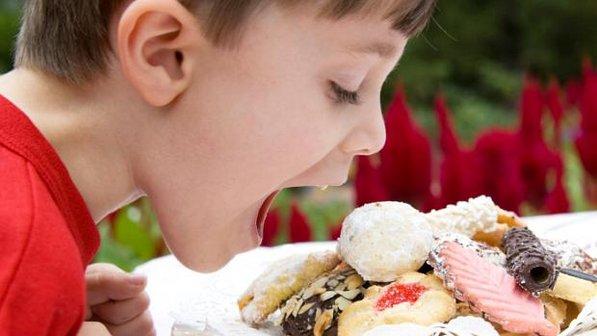 537127 É sabido que as crianças adoram guloseimas. Foto divulgação Como fazer a criança comer de tudo