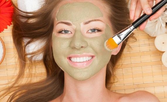 537161 Existem vários tipos de tratamentos caseiros para limpar a pele. Foto divulgação Receitas caseiras para limpeza de pele