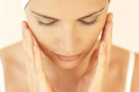 537771 Maquiagem para disfarçar manchas de pele dicas.1 Maquiagem para disfarçar manchas na pele: dicas