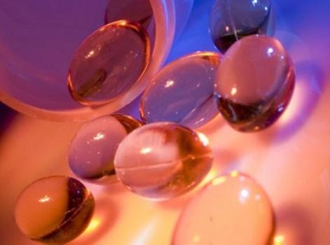 538302 As cápsulas são uma maneira prática e eficiente de suplementação de vitaminas. Cápsulas de betacaroteno: como tomar