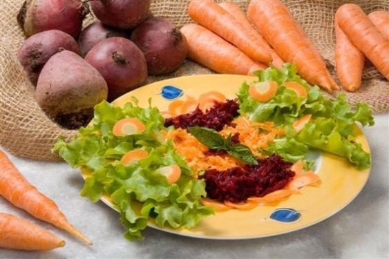 538302 Legumes frutas e vegetais de cores fortes são ricos em betacaroteno. Cápsulas de betacaroteno: como tomar