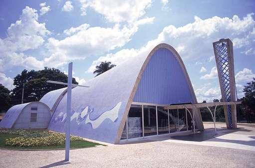 539254 02 São Francisco de Assis inaugurada em 1943 Principais obras do Oscar Niemeyer