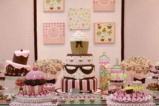 542070 Decoração de aniversário infantil tema cupcakes Decoração de aniversário infantil tema cupcakes