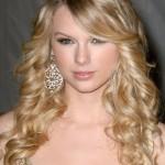 549254 As franjas lisas também caem muito bem nos cabelos cacheados. Foto divulgação 150x150 Franjas para cabelo cacheado: fotos