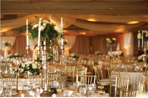 decoracao branca e dourada para casamento : decoracao branca e dourada para casamento:decoração branco e dourado é uma excelente opção para casamentos