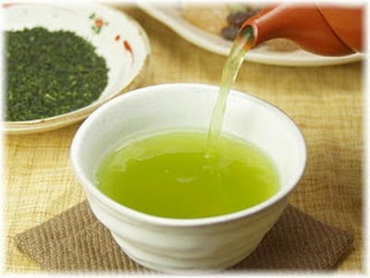 554233 O chá verde é um grande aliado do crescimento dos cabelos. Foto divulgação Receita caseira para o cabelo crescer