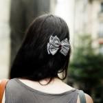 555504 Os acessórios são capazes de mudar qualquer look. 150x150 Penteados para ir à escola: dicas