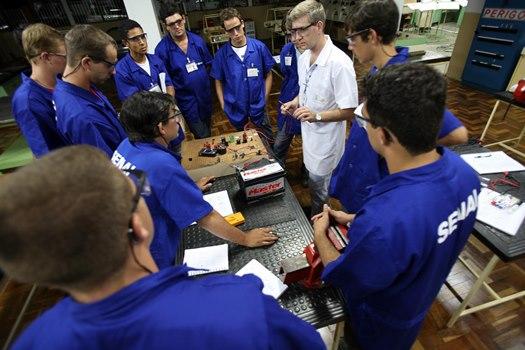56153 SENAI Ponta Grossa Cursos Técnicos Profissionalizantes PR 3 SENAI Ponta Grossa Cursos Técnicos Profissionalizantes PR