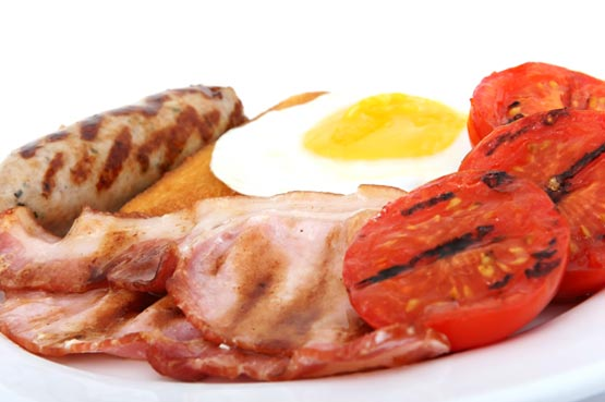 561892 Os produtos de origem animal são os principais responsáveis por aumentar o colesterol. Colesterol alto: como combater