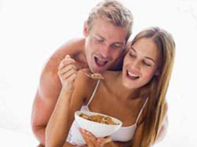 562551 Alguns alimentos devem ser evitados antes do sexo. Foto divulgação Alimentos para evitar antes do sexo