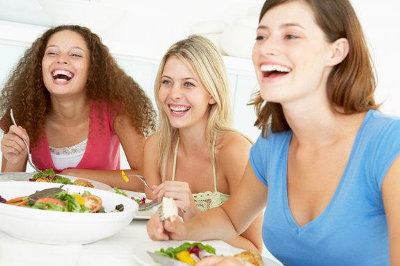 564312 A alimentação saudável é essencial para manter os nutrientes necessários para o bom funcionamento do organismo. Foto divulgação Falta de nutrientes no organismo: quais são os sinais