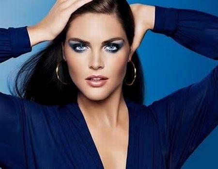 565801 Maquiagem que combina com vestido azul Maquiagem que combina com vestido azul