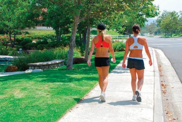 567458 A caminhada ajuda a ativar a circulação. Foto divulgação Exercícios para ativar a circulação