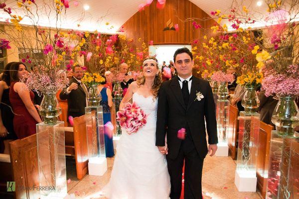 568516 Decoração de casamento de igreja simples.2 Decoração de casamento de igreja simples