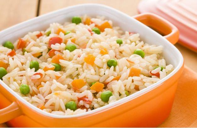 569507 Receita de arroz a grega 02 Arroz a grega com queijo opcional