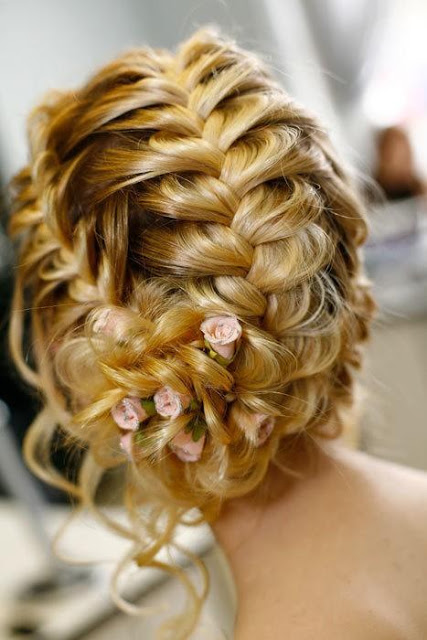 Penteados para madrinhas de casamento durante o dia