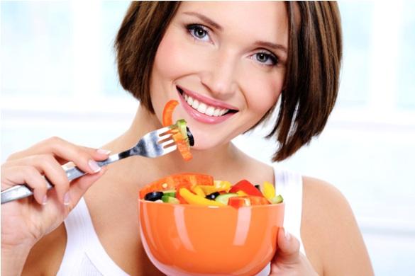 570199 A dieta da água gelada deve ser aliada a uma alimentação saudável. Foto divulgação Dieta da água gelada como fazer