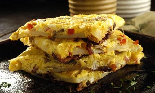 570455 Receita de omelete com bacon 01 Receita de omelete com bacon
