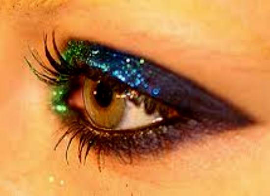 571217 Maquiagem com brilho para o carnaval.2 Maquiagem com brilho para o Carnaval