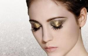 Maquiagem com brilho para o Carnaval