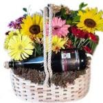 573973 Escolha os modelos de arranjos que mais lhe agrada. Foto divulgação 150x150 Arranjo de flores coloridas: como fazer