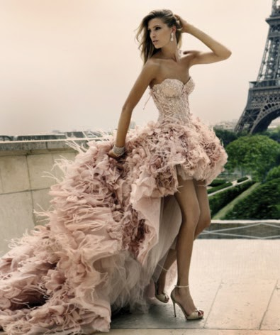 573982 Os vestidos mullet estão entre as tendências da moda. Foto divulgação Vestidos de 15 anos: tendências 2013