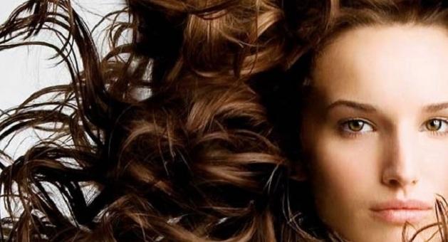 578034 hidrata    o caseira para cabelos cacheados secos capa Cabelos cacheados e compridos: como cuidar, dicas