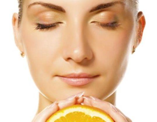 578062 A vitamina C é uma grande aliada da beleza da pele. Foto divulgação Vitamina C para o rosto: benefícios