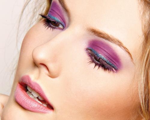 578999 Maquiagem colorida para o carnaval produtos.1 Maquiagem colorida para o Carnaval: produtos