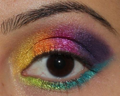 578999 Maquiagem colorida para o carnaval produtos.2 Maquiagem colorida para o Carnaval: produtos