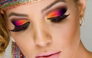 Maquiagem colorida para o Carnaval: produtos