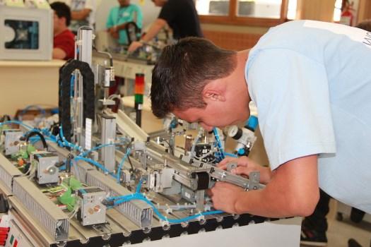57916 Curso de Operador De Robô Industrial Gratuito SENAI 1 Curso de Operador De Robô Industrial Gratuito SENAI