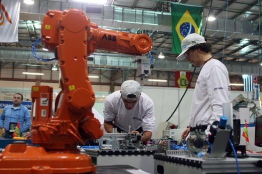 57916 Curso de Operador De Robô Industrial Gratuito SENAI 2 Curso de Operador De Robô Industrial Gratuito SENAI