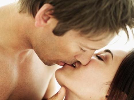 579249 Sintomas da doença do beijo Sintomas da doença do beijo