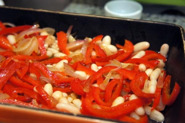 579957 É possível preparar pratos deliciosos e com sabor característico. Benefícios do pimentão para saúde