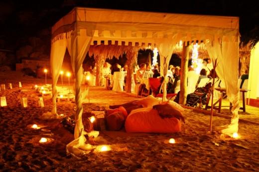 581610 casamento ar livre praia noite e1353359995681 Casamento ao ar livre a noite: dicas