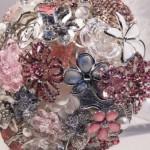 582364 É preciso ter cuidado na escolha da cor dos itens. 150x150 Buquê de broche: nova tendência noiva 2013