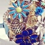 582364 Os broches de flores conferem um toque muito especial. 150x150 Buquê de broche: nova tendência noiva 2013