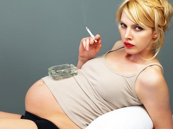 583830 Fumar durante a gestação pode aumentar os riscos de descolamento de placenta. Foto divulgação Entenda o descolamento da placenta