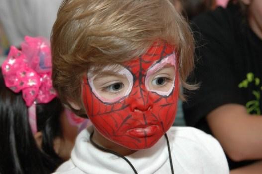 584253 Maquiagem artística para aniversário infantil Maquiagem artística para aniversário infantil