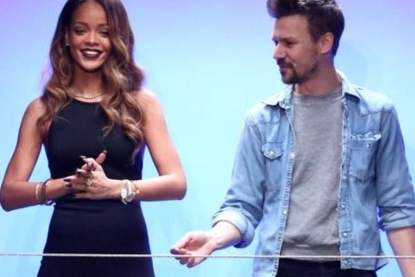 584754 Linha de maquiagem Rihanna.1 Linha de maquiagem da Rihanna
